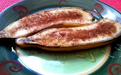 Banana assada com canela e mel