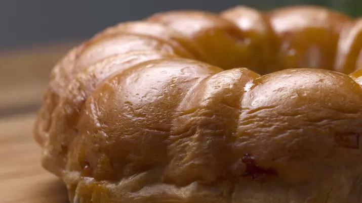Torta de pão de queijo recheada