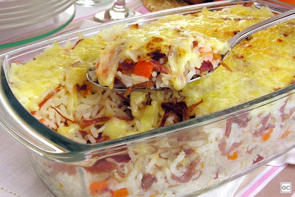 Arroz com abóbora, carne-seca e queijo