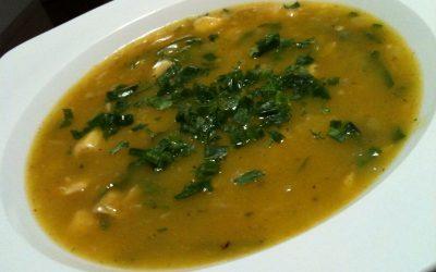 Sopa de mandioquinha e espinafre