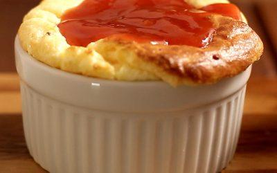 Suflê de goiabada com queijo