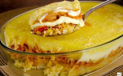 Escondidinho de arroz, frango e batata