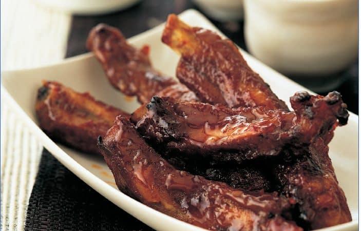 Costelinhas de porco caramelizadas