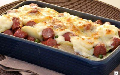 Linguiça gratinada com batata