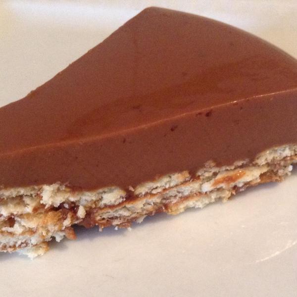 Torta de bolacha de pudim com chocolate