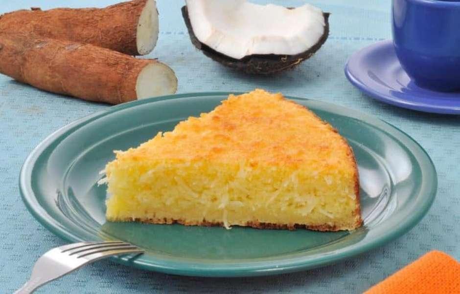 bolo de mandioca e coco