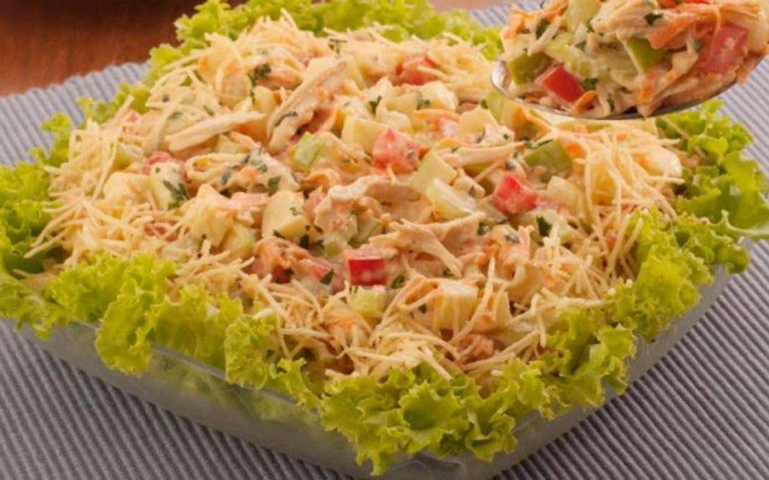 Salada de frango com salsão